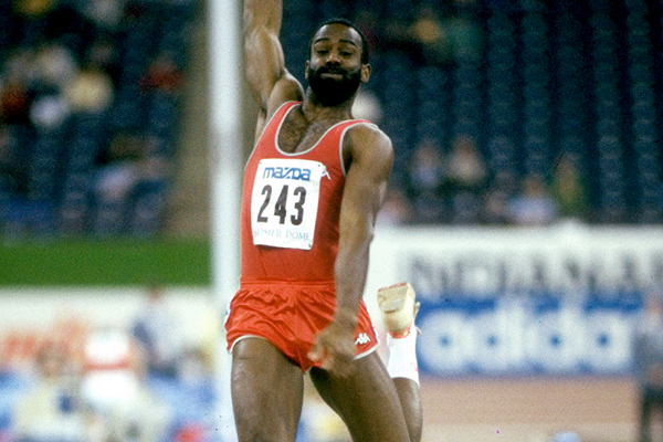 Larry Myricks in action at the 1987 IAAF World Indoor Championships in Indianapolis (Getty Images)