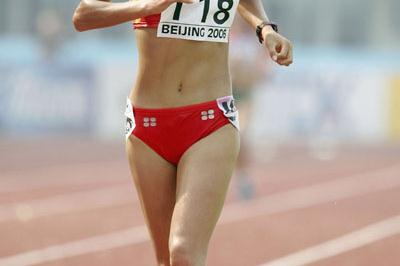 Hong Liu of China on her way to winning the women's 10,000m title (Getty Images)