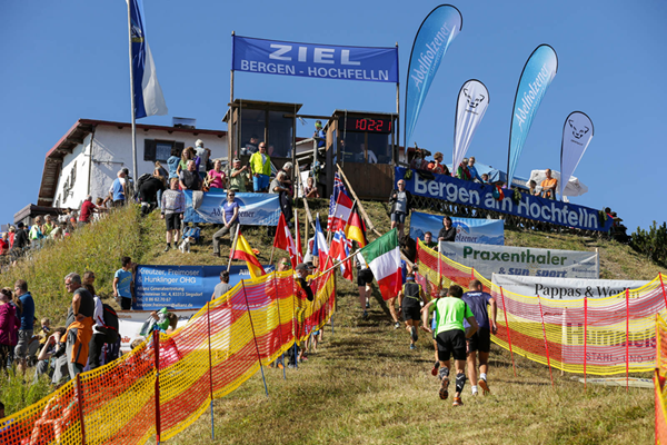 Runners in action at the International Hochfelln-Mountainrace in Bergen (Organisers)