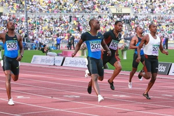 A convincing late-season victory for Brian Dzingai (c, #202) in Daegu (Daegu 2011)
