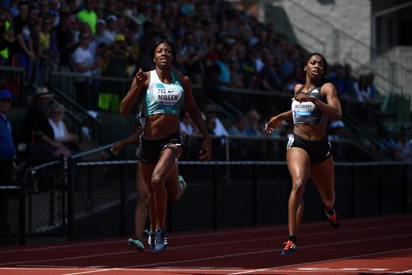 Shaunae Miller wins the 400m at the 2016 IAAF Diamond League meeting in Eugene (Kirby Lee)