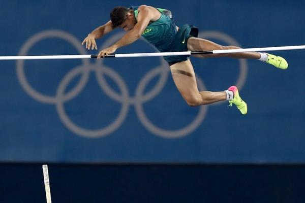 Thiago Braz da Silva in the pole vault at the Rio 2016 Olympic Games (Getty Images)