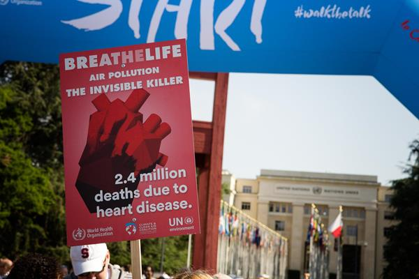 Poster for the BreatheLife campaign in Geneva (Bob Ramsak)