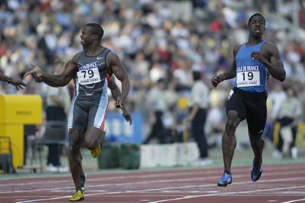 Tim Montgomery wins 100m in World Record Time (Getty Images Allsport)