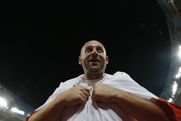 Piotr Malachowski after winning the discus at the IAAF World Championships Beijing 2015 (AFP / Getty Images)
