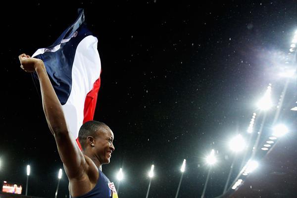 Antoinette Nana Djimou celebrates her heptathlon title at the European Championships (Getty Images)