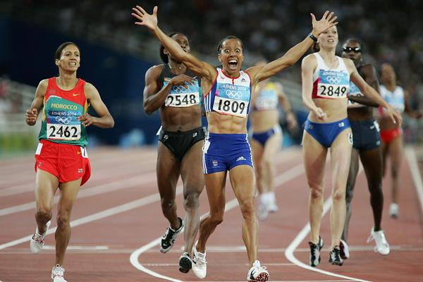 Kelly Holmes after winning Olympic 800m gold in Athens (Getty Images)