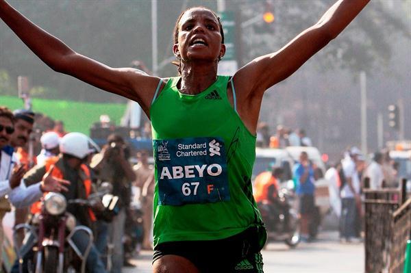 Course record for Nestanet Achamo Abeyo in Mumbai (Mumbai Marathon organisers)