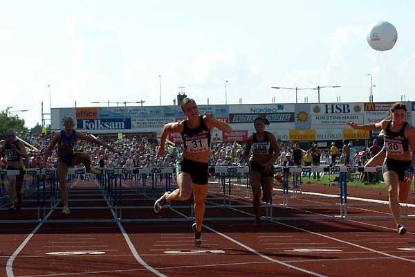 Susanna Kallur 12.83w at the Swedish Championships (Hasse Sjögren)