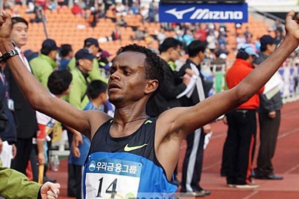 Solomon Molla captures a surprise win at the JoongAng Seoul Marathon (JoongAng Seoul Marathon organisers)