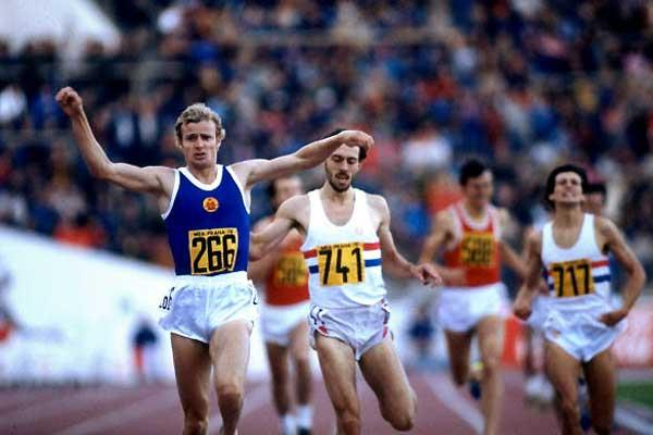 Olaf Beyer wins in Prague in 1978 (Getty Images)