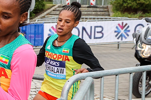 Yalemzerf Yehualaw in action at the World Athletics Half Marathon Championships Gdynia 2020 (Dan Vernon)