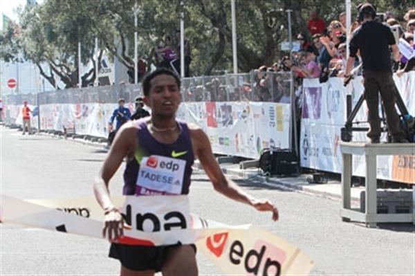 Sizzling 58:30 for Zersenay Tadese in Lisbon in 2011 (Marcelino Almeida)
