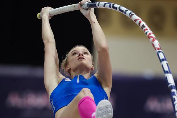 Katie Nageotte - world-leading 4.91m in Albuquerque (Victah Sailer)