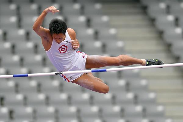 Seito Yamamoto clears 5.70m to win the Japanese Pole Vault title (Getty Images)
