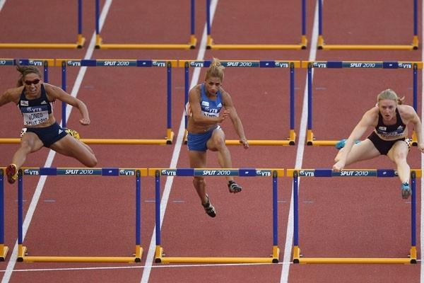 Sally Pearson of Australia takes the 100m Hurdles from Lolo Jones of USA in Split (Getty Images)