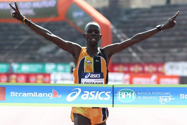 Thomas Lokomwa wins the Stramilano Half Marathon (Giancarlo Colombo)
