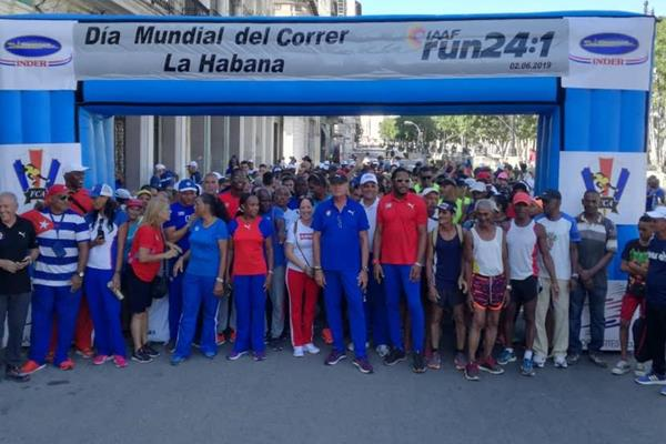 Cuban sporting royalty in Havana ahead of the city's Run 24-1 event (organisers)