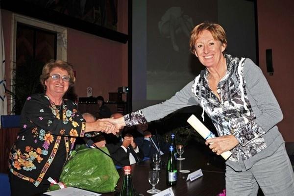 Giovanna Nebiolo with 1980 Olympic high jump champion Sara Simeoni (Marco Sicari)