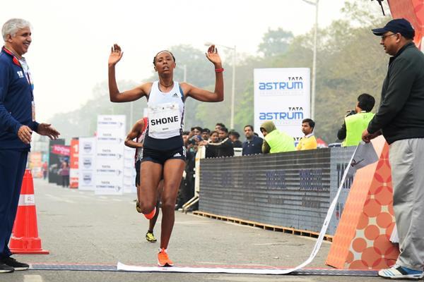 Guteni Shone breaks the race record at the Tata Steel Kolkata 25K (Procam International)