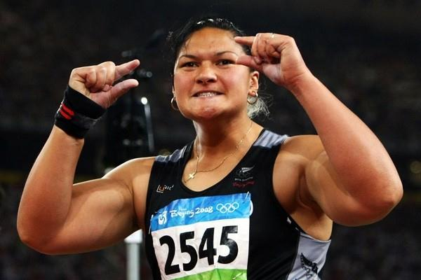 Valerie Vili improves on her own Commonwealth shot record (Getty Images)
