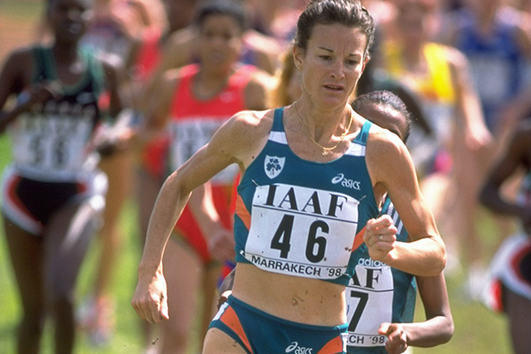 Sonia O'Sullivan in action at the 1998 IAAF World Cross Country Championships (Getty Images)