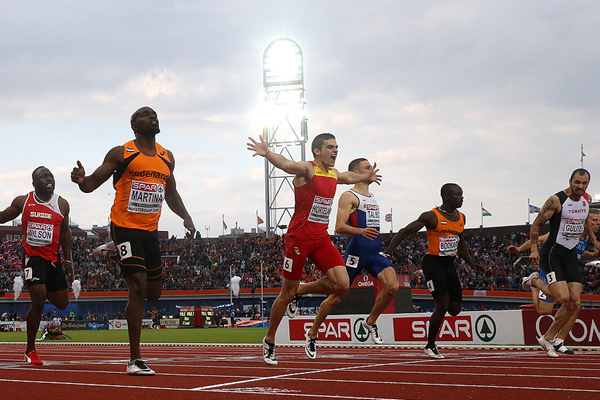 Bruno Hortelano crosses the line in the 200m at the European Championships (Getty Images)