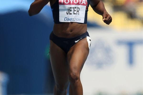 Carmelita Jeter in the opening round of the 200m (Getty Images)