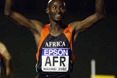 Bernard Lagat celebrates winning the 1500m in Madrid's World Cup (Getty Images)