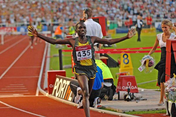 First sub-8 of the year by Paul Kipsiele Koech in Stockholm (Hasse Sjogren)