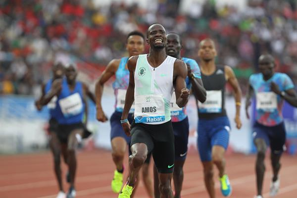Nijel Amos taking the 800m in Rabat (Jean Pierre Durand)