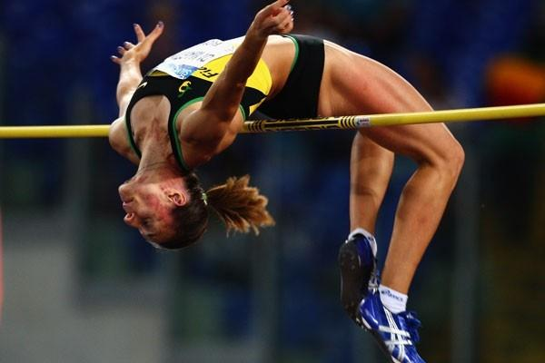 Antonietta Di Martino delights the home crowd with a 2.00m victory in the High Jump in the Rome GL 2009 (Getty Images)