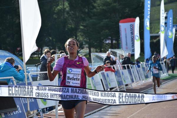 Mimi Belete wins at the 2015 Cross Internacional Juan Muguerza in Elgoibar (Foto ANOC)
