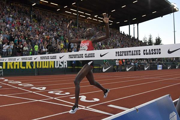 Celliphine Chespol in action at the 2017 IAAF Diamond League meeting in Eugene ()