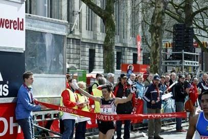 Lyubov Morgunova wins the 2008 Fortis Rotterdam Marathon women's race (John de Pater)