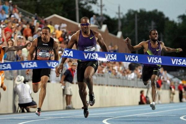 Walter Dix takes victory in the 100m at the 2010 USATF Nationals (Getty Images)