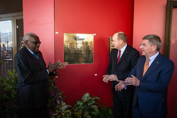 IAAF President Lamine Diack, HSH Prince Albert II of Monaco and President of the International Olympic Committee Thomas Bach at the inaugeration of the new IAAF HQ (IAAF / Philippe Fitte)