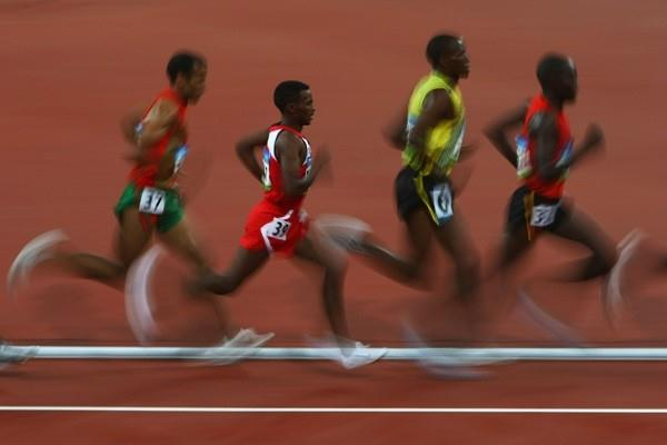 Athletes in the chasing pack of the men's 10,000m (Getty Images)