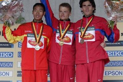 The medallist of the men's 50km: left to right Yu, Voyevodin and Andronov (Getty Images)