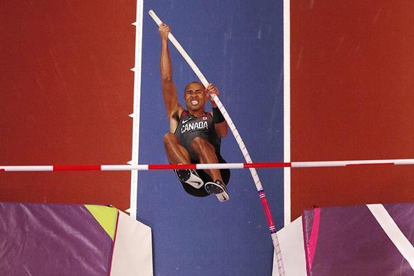 Damian Warner in the heptathlon pole vault at the IAAF World Indoor Championships Birmingham 2018 (AFP / Getty Images)