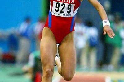 Tatyana Lebedeva (RUS) triples to second World gold in Paris (Getty Images)