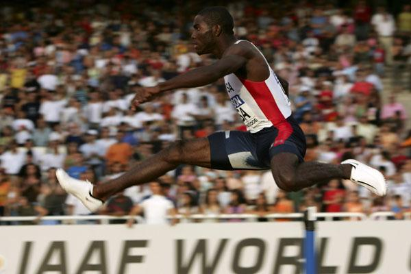 Kerron Clement en route to World Cup gold in Athens (Getty Images)