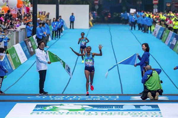 Gulume Tollesa wins the Hong Kong Marathon (Organisers)