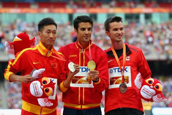 20km race walk medallists Miguel Angel Lopez (centre), Wang Zhen (left) and Ben Thorne (right) at the IAAF World Championships, Beijing 2015 (Getty Images)