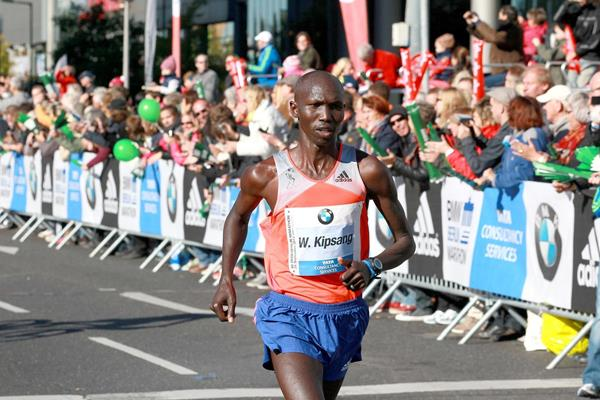 Wilson Kipsang at the 2013 BMW Berlin Marathon (Victah Sailer / organisers)