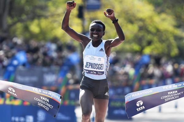 Joyciline Jepkosgei wins the New York City Marathon (Getty Images)