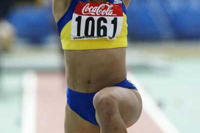Cristina Sparatu of Romania wins the Triple Jump final in Sherbrooke (Getty Images)