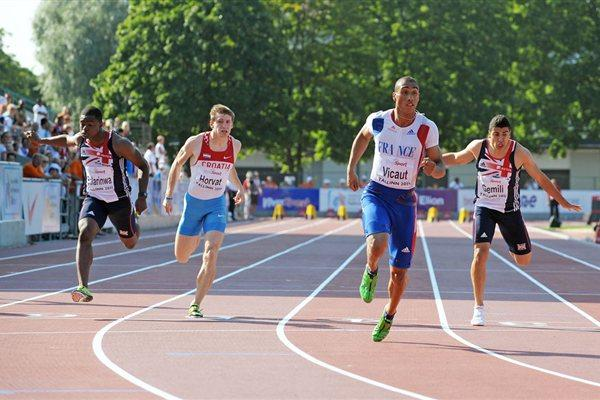 Jimmy Vicaut of France takes the European junior 100m title in 10.07 (Mark Shearman)