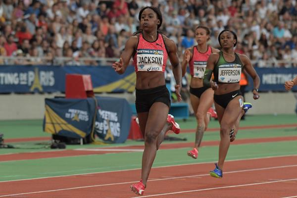 Shericka Jackson en route to her 200m victory in Paris (Kirby Lee)
