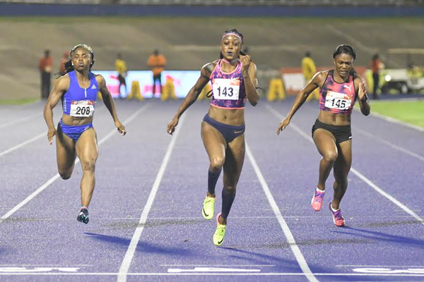 Elaine Thompson en route to her second Jamaican 100m title (Bryan Cummings/Jamaica Observer)